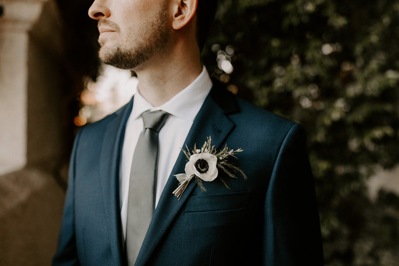 Hoa cài áo cưới