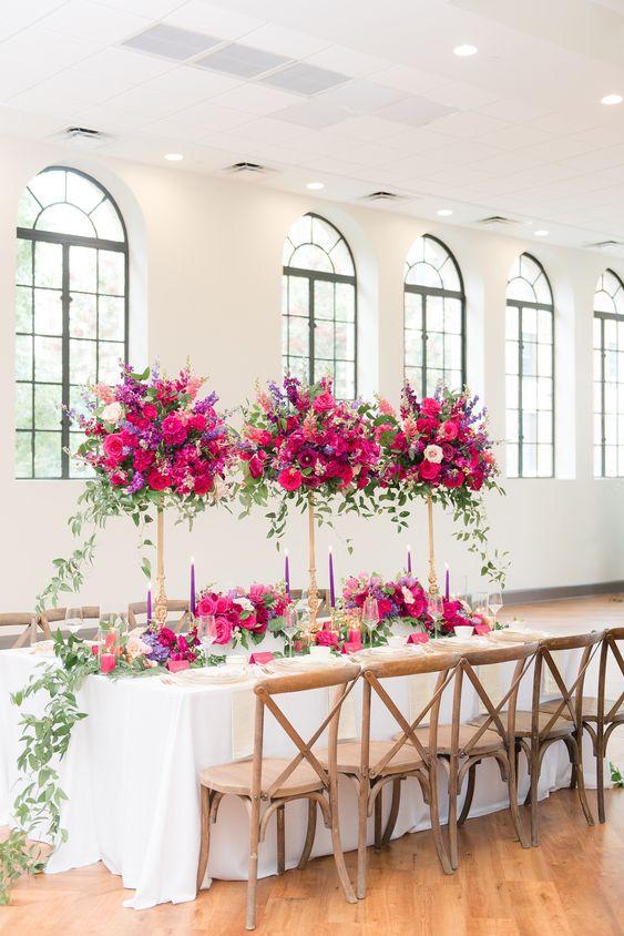 trang trí bàn tiệc cưới