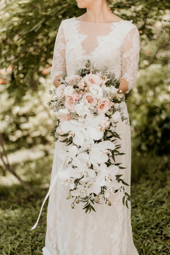 hoa cưới thác nước