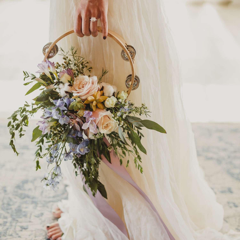hoa cưới dáng vòng