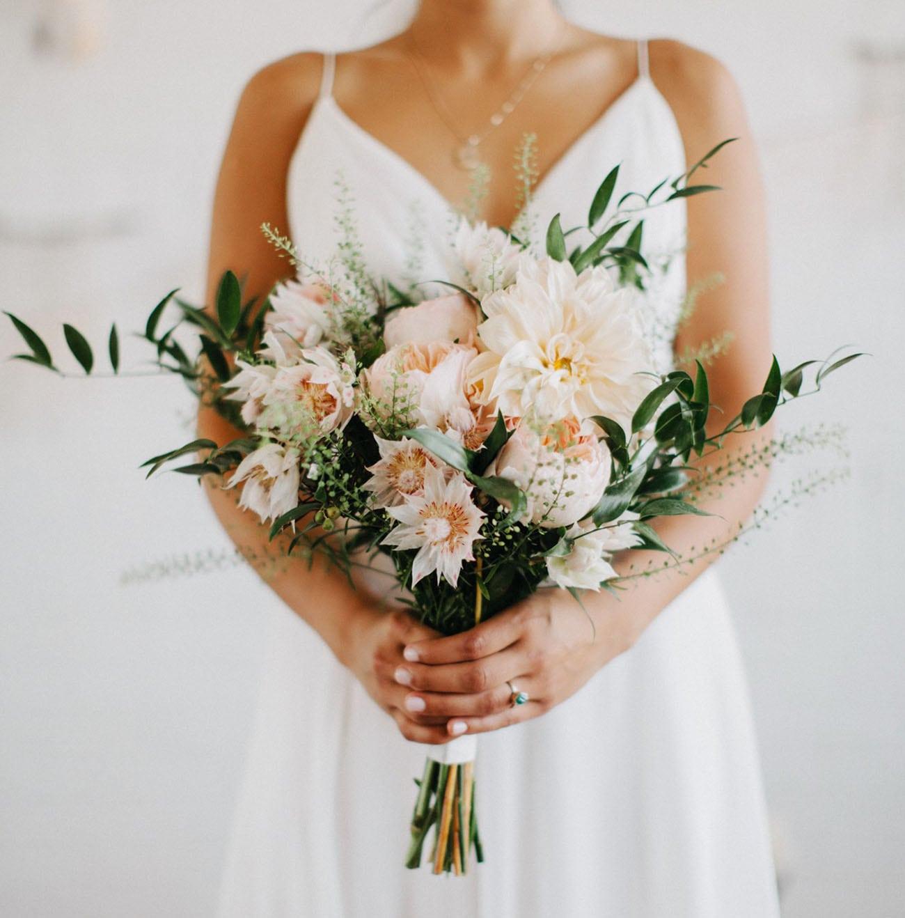 hoa cưới buộc tay