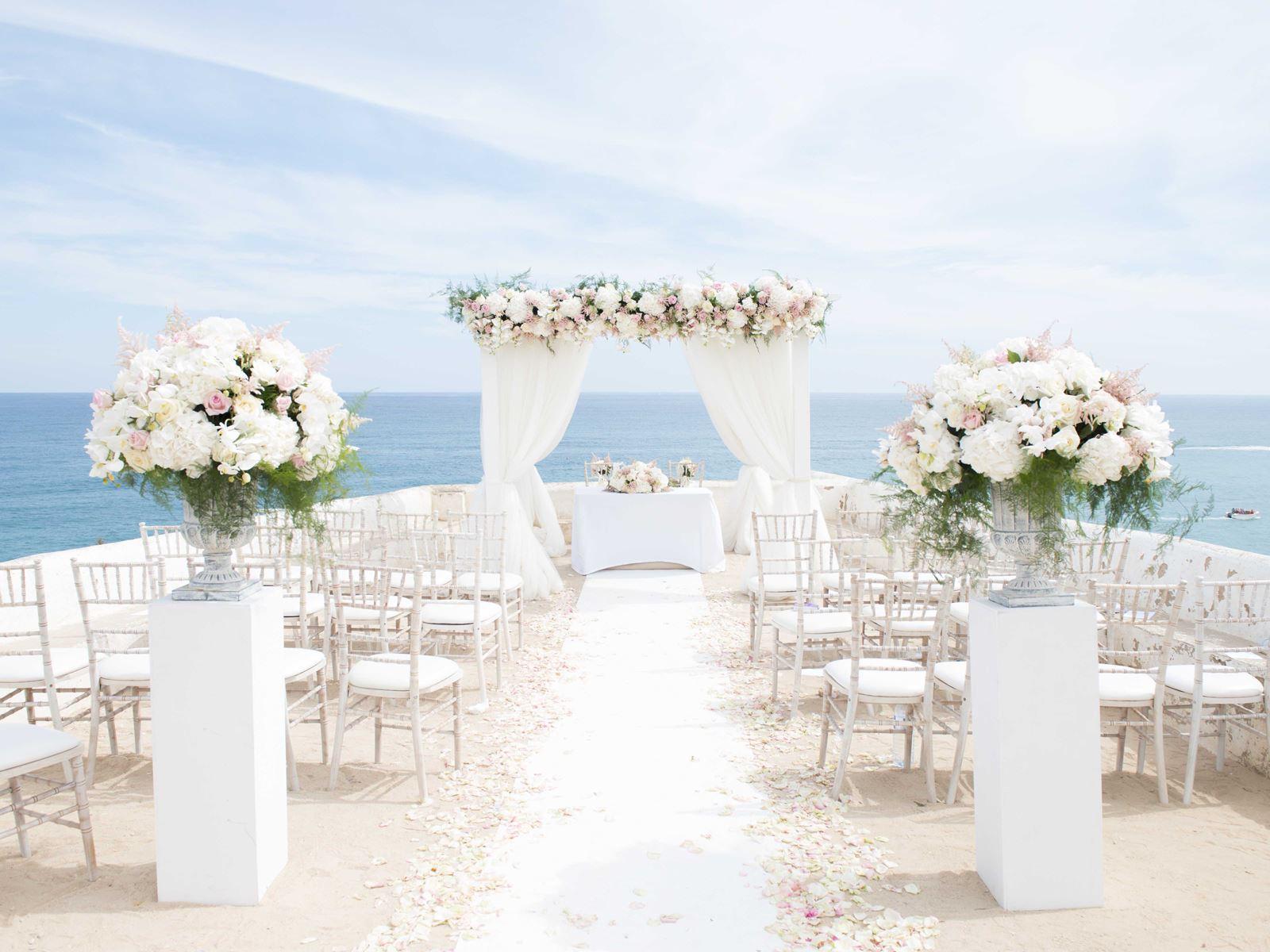 tiệc cưới ngoài trời