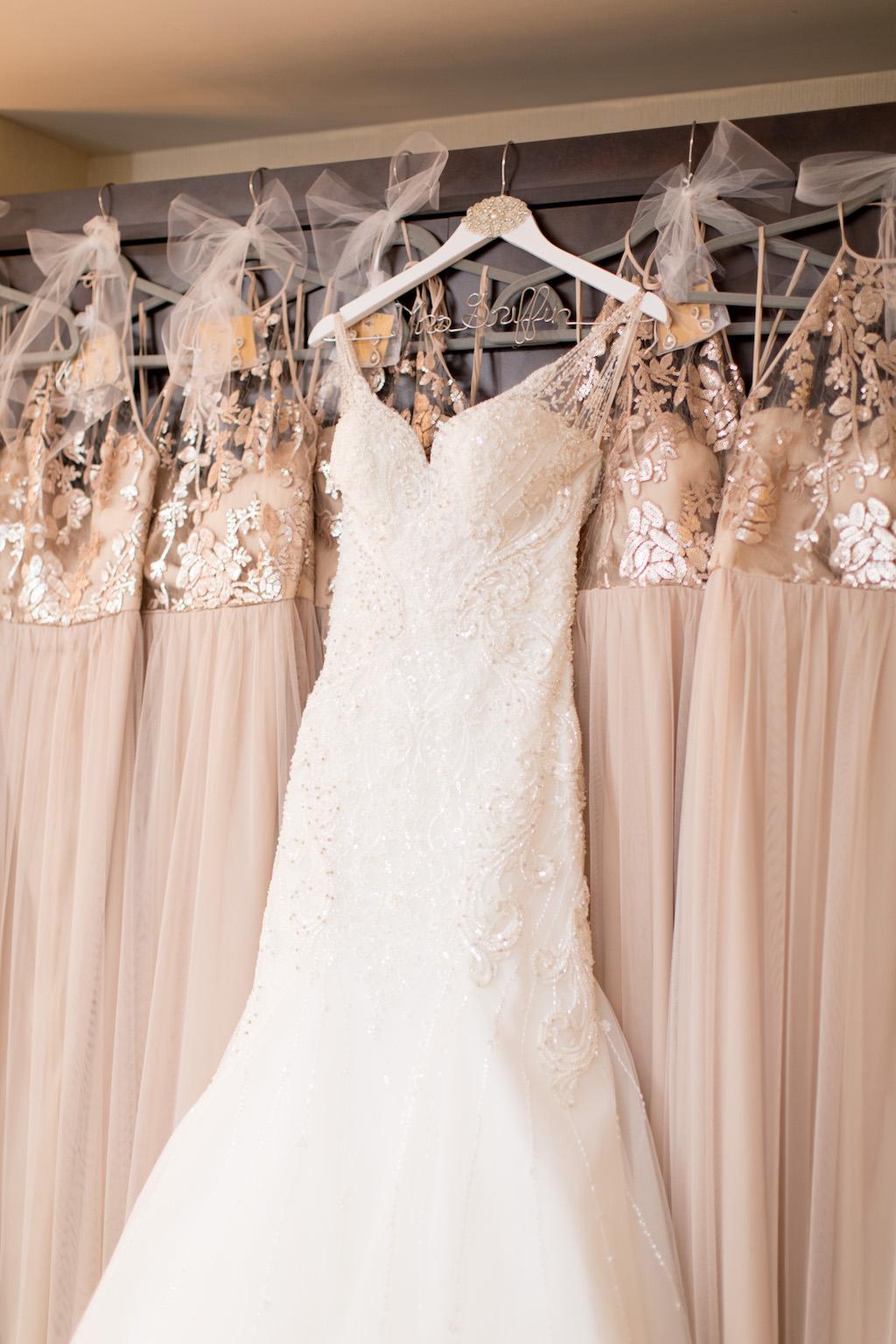 váy cưới ngà voi