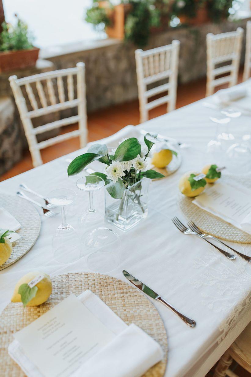 trang trí tiệc cưới màu vàng