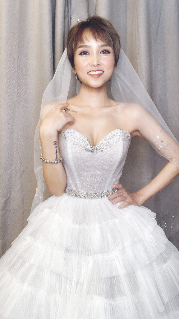 váy cưới cho cô dâu thấp
