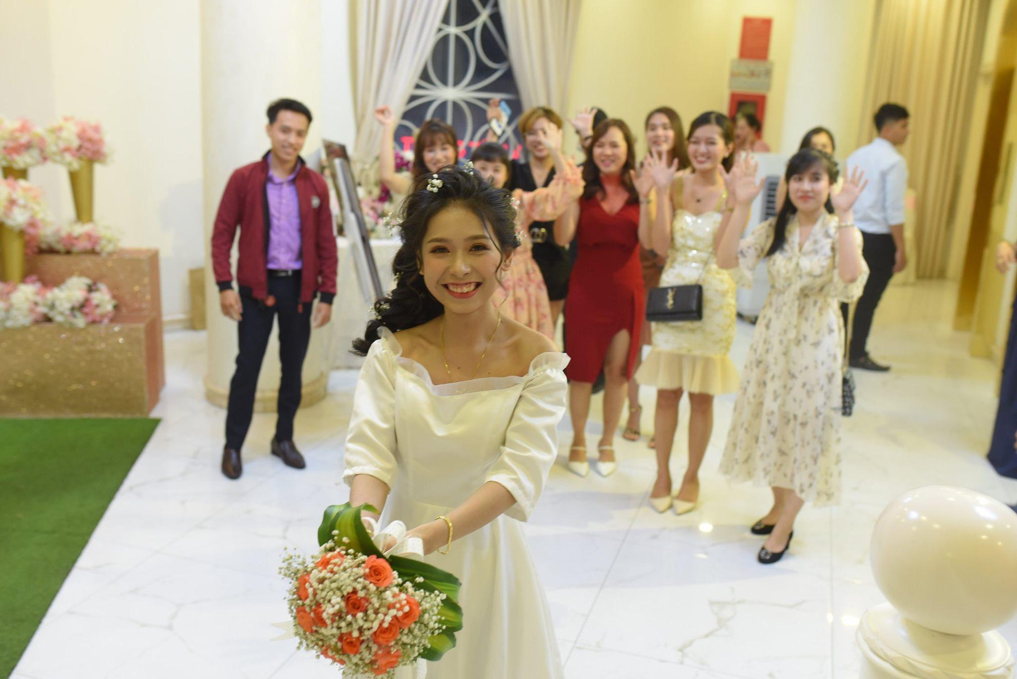 đám cưới của cô dâu marry