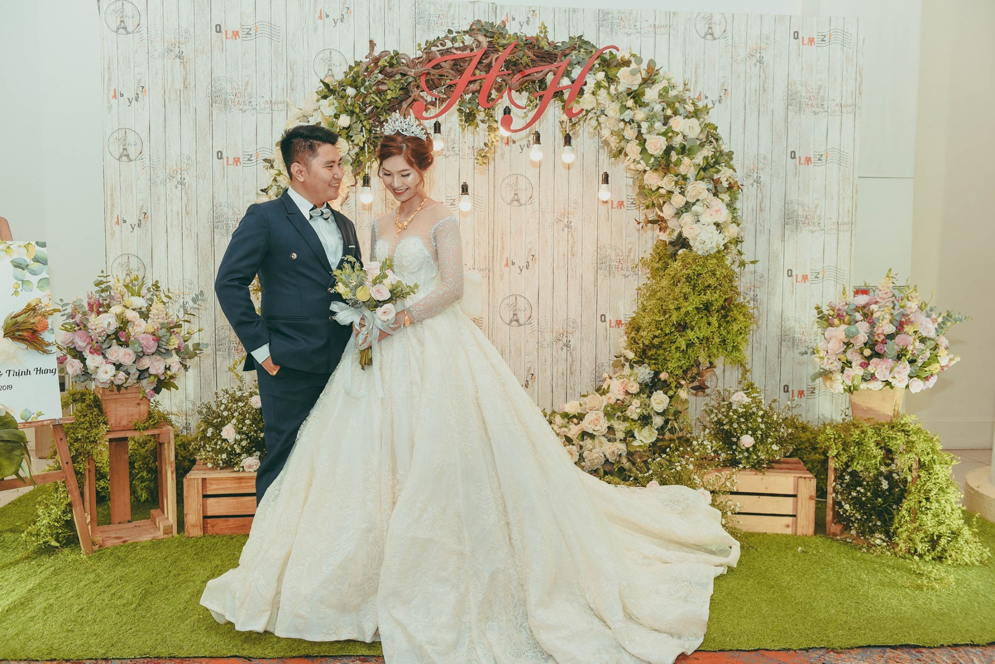 Đám cưới tự túc
