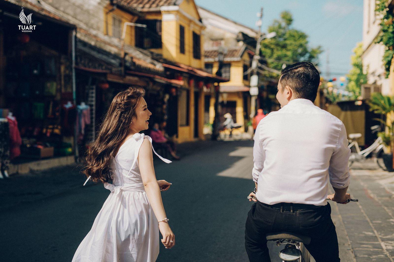 chụp ảnh cưới street style
