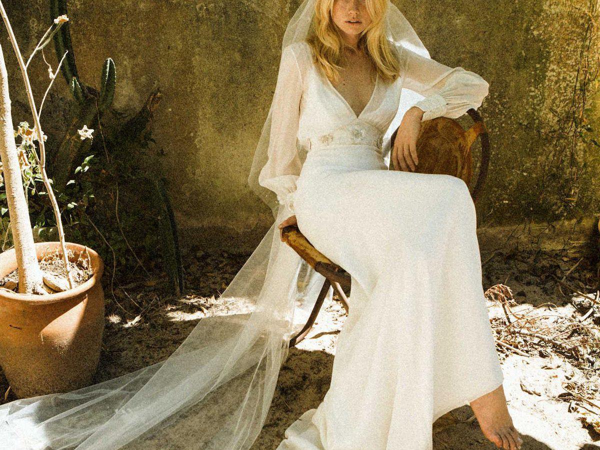 Váy cưới may từ vải lụa cổ điển
