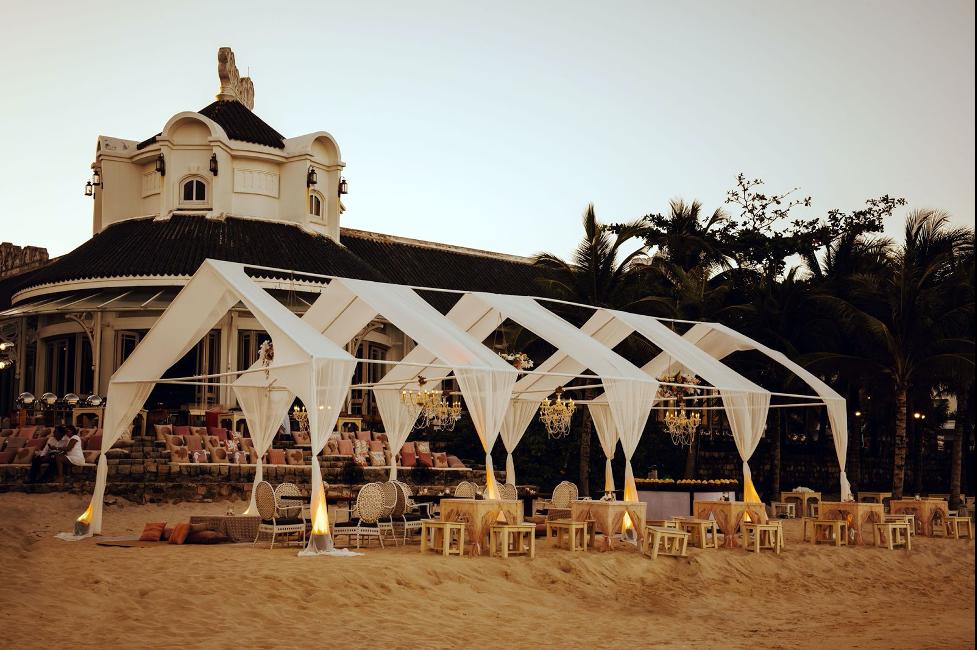 tiệc cưới bãi biển