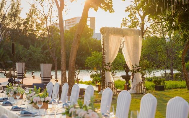 Hoàng hôn rực rỡ tại Chloe Gallery - tiệc cưới ngoài trời lãng mạn nhất Sài Gòn