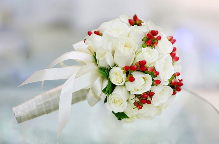 Giá hoa cưới hiện nay