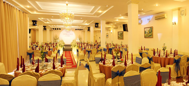 Trung tâm hội nghị tiệc cưới Vườn Cau Marry