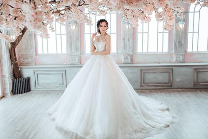 Áo cưới hiện đại