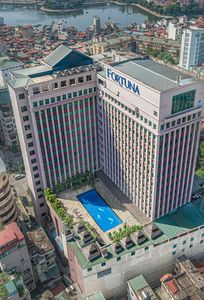 Bên ngoài Khách sạn Fortuna Hà Nội