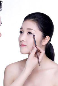 Thịnh Nguyễn Make up chuyên Trang phục cưới tại Đà Nẵng - Marry.vn