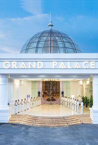 Tiền sảnh trung tâm hội nghị - tiệc cưới Grand Palace