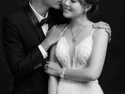 CHỤP ẢNH CỔNG TRONG STUDIO - Váy cưới Nicole Bridal