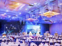 CAPELLA PARK VIEW - Trang trí tiệc cưới sang trọng với Lan Hồ Điệp - Capella Park View