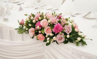 25+ Mẫu hoa để bàn phù hợp cho đám cưới 2022 ! - Blog Marry