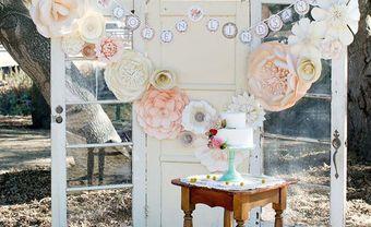 """Làm backdrop hoa giấy """"trăm hoa khoe sắc"""" đẹp chẳng kém hoa thật - Blog Marry"""