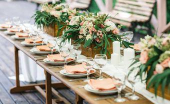 Ý tưởng trang trí đĩa ăn của khách mời theo phong cách tiệc - Blog Marry