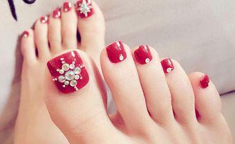 Cập nhật các mẫu móng chân đính đá xinh xắn cho cô dâu - Blog Marry