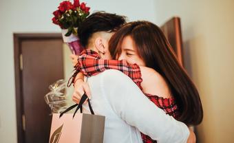 Bật mí món quà chàng tặng nhất định làm nàng mê mẫn - Blog Marry