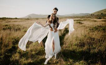 Bộ sưu tập 18 bộ váy cưới hai mảnh cho cô dâu yêu thích sự phá cách - Blog Marry