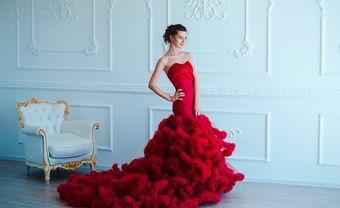 8 kiểu váy cưới đỏ hiện đại giúp bạn trở thành ngôi sao của đêm - Blog Marry