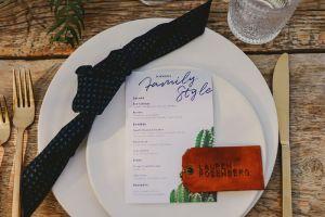 6 phong cách trang trí Place card cho cặp đôi yêu thích sự độc đáo - Blog Marry