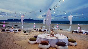 Không gian tiệc cưới bên biển - Sheraton Grand Danang Resort - Hình 11