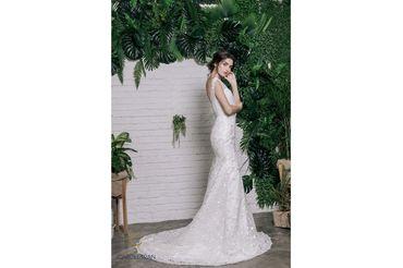 Váy đuôi cá lệch vai đính hoa vai & eo - Caroll Trần Design - Hình 2
