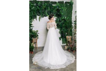Váy dáng A cổ thuyền vạt váy đính rời phối ren - Caroll Trần Design - Hình 3