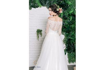 Váy dáng A cổ thuyền vạt váy đính rời phối ren - Caroll Trần Design - Hình 2