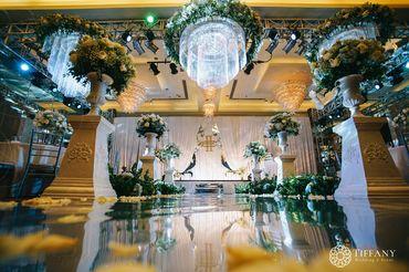 Trang trí hội trường - Khách sạn hoa tươi - Style 2 - Tiffany Wedding and Event - Hình 1