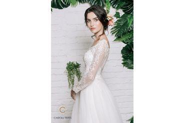 Váy dáng A cổ thuyền vạt váy đính rời phối ren - Caroll Trần Design - Hình 5