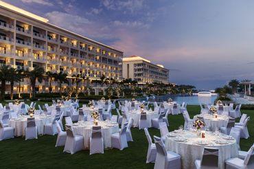 Tiệc cưới bên Hồ bơi Vô Cực  - Sheraton Grand Danang Resort - Hình 7