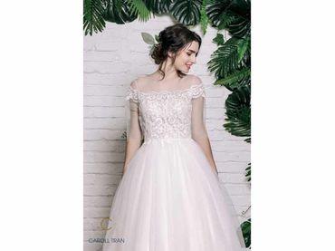 Váy cổ tròn tay lỡ đắp ren tay ngang - Caroll Trần Design - Hình 4