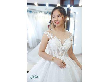 Váy cưới Luxury giá thuê chỉ từ 1.900.000 - EM Wedding - Hình 1