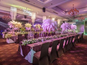 Phong cách cưới hiện đại với bàn tiệc dài - Riverside Palace - Hình 11
