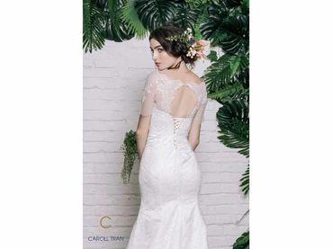 Váy đuôi cá cổ thuyền tay ngắn - Caroll Trần Design - Hình 4