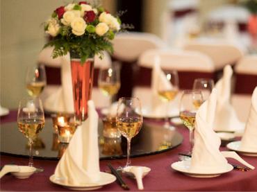 Chương trình tiệc cưới - 3.300.000vnđ/bàn/10 khách - Nhà hàng Tự Do - Khách sạn Viễn Đông - Hình 1