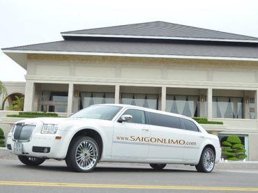 Limousine Chrysler C300 - Saigon Limo - Hình 1
