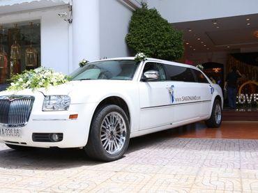 Limousine Chrysler C300 - Saigon Limo - Hình 2