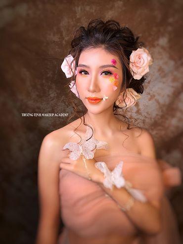 Trang điểm cô dâu đẹp - Trương Tịnh Wedding - Hình 11