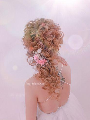 Kiểu tóc cô dâu đẹp - sang trọng - Trương Tịnh Wedding - Hình 3