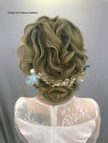 Kiểu tóc cô dâu đẹp - sang trọng - Trương Tịnh Wedding - Hình 8