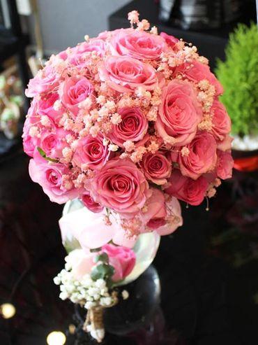 Dịch Vụ Hoa Cầm Tay Cô Dâu - Flower Corner - Hình 1