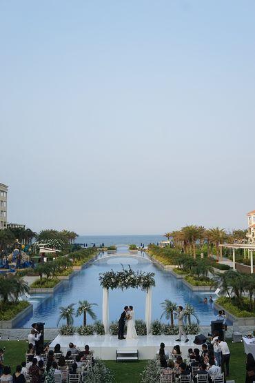 Tiệc cưới bên Hồ bơi Vô Cực  - Sheraton Grand Danang Resort - Hình 2